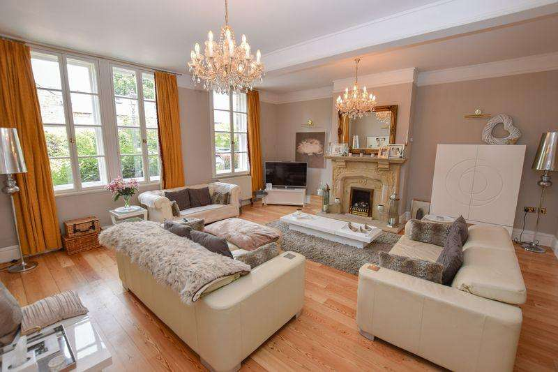 3 Bedrooms Barn Conversion Character Property for sale in Crouchley Hall Mews, Lymm