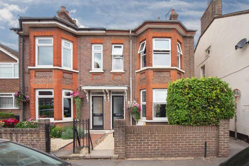 3 Bedrooms Semi Detached House for sale in Burr Street, Dunstable
