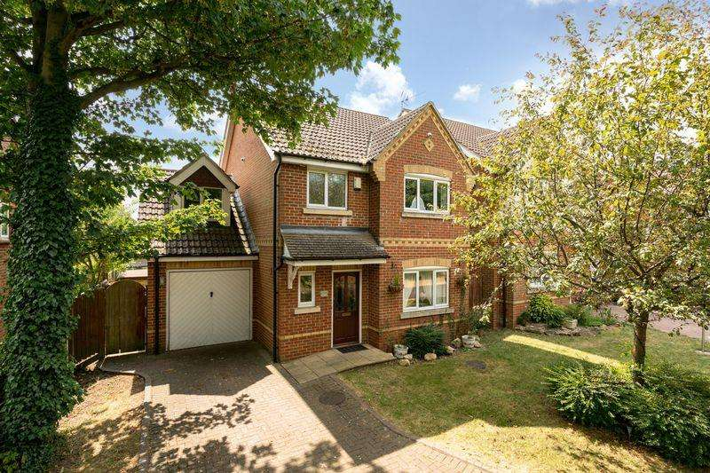 4 Bedrooms Detached House for sale in London Road, Dunstable