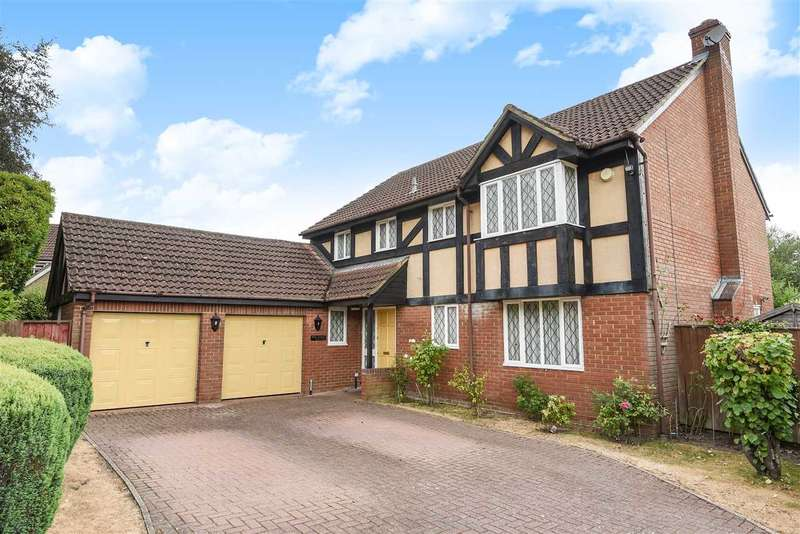 5 Bedrooms Detached House for sale in Hollyhook Close, Heathlake Park, Crowthorne