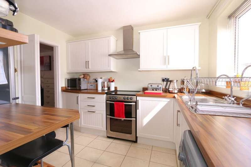 2 Bedrooms Flat for sale in Margaret Road, Denton, Manchester, M34