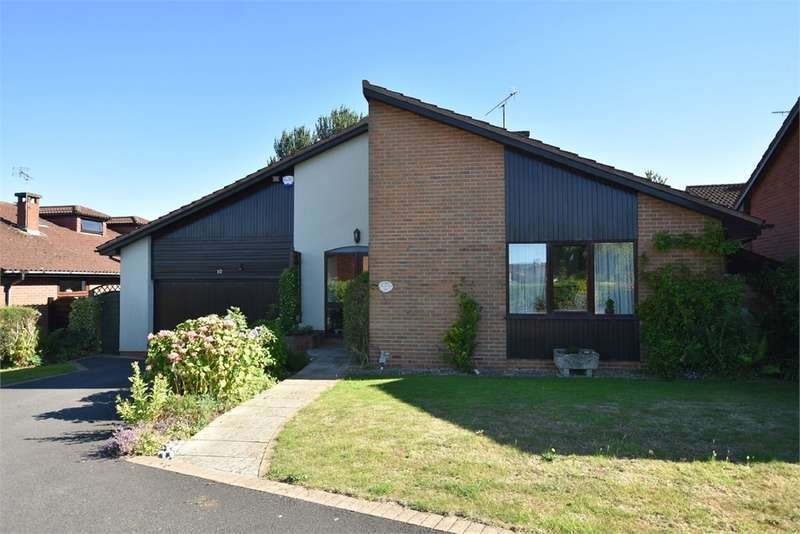 3 Bedrooms Detached Bungalow for sale in 10 Harptree Close, Nailsea, Bristol, North Somerset