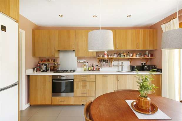 3 Bedrooms Terraced House for sale in Dacres Road, Forest Hill