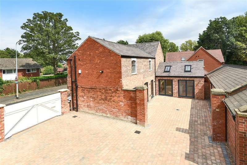3 Bedrooms Detached House for sale in Greetwell Road, Lincoln, LN2