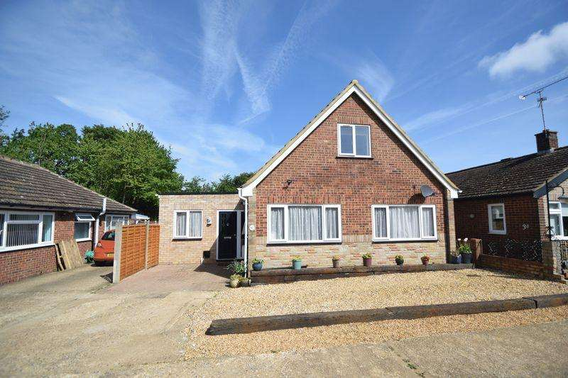4 Bedrooms Detached House for sale in Private Road