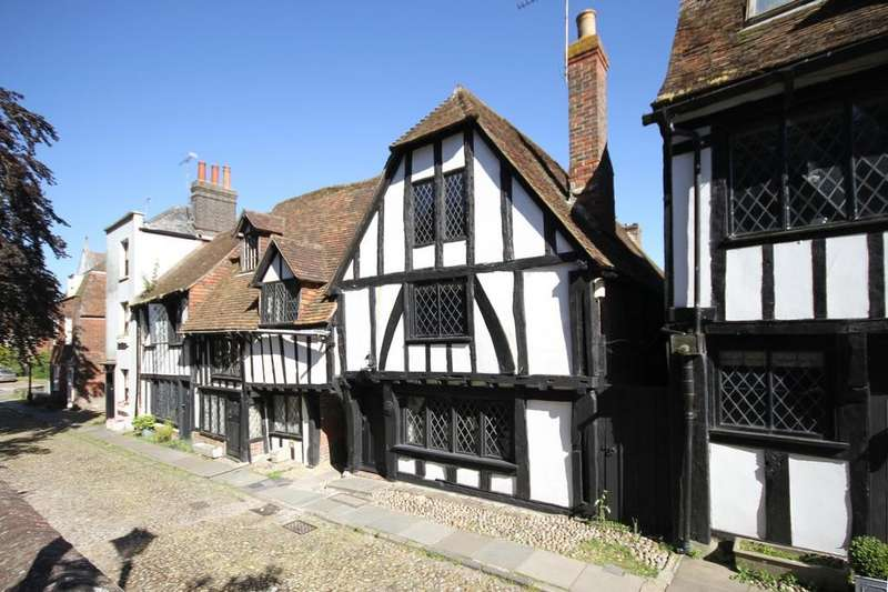 3 Bedrooms House for sale in Church Square, Rye, East Sussex TN31 7HE