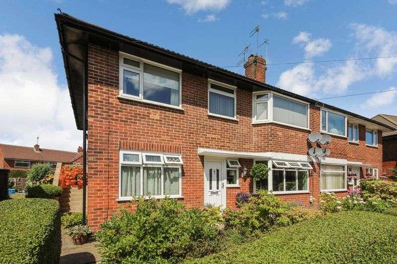 2 Bedrooms Property for sale in Burns Avenue, Bury