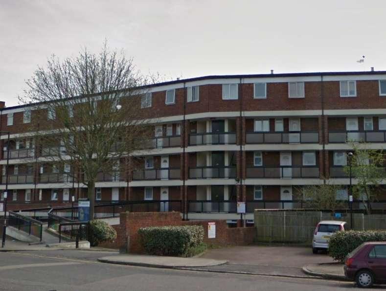 3 Bedrooms Flat for sale in Aitham House, Copenhagen Place, Limehouse, E14
