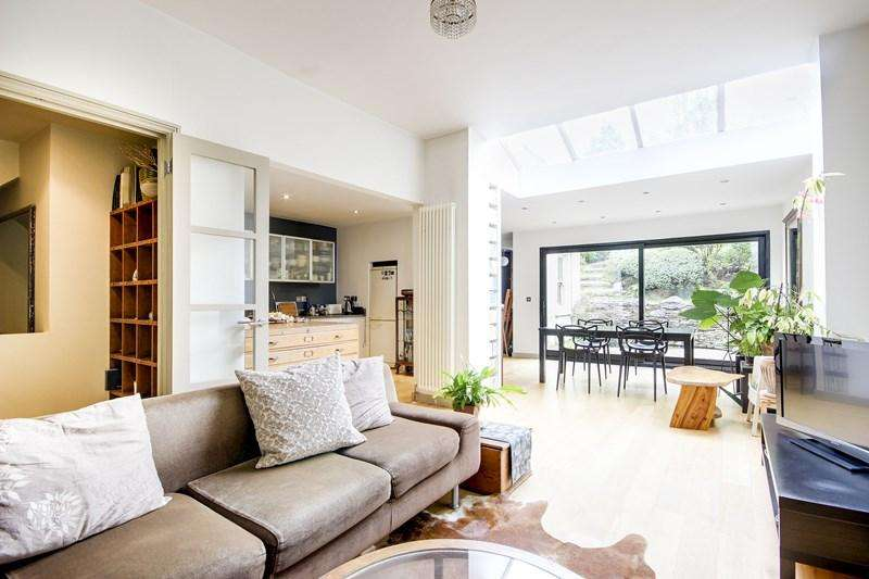 2 Bedrooms Flat for sale in Woodland Gardens, London