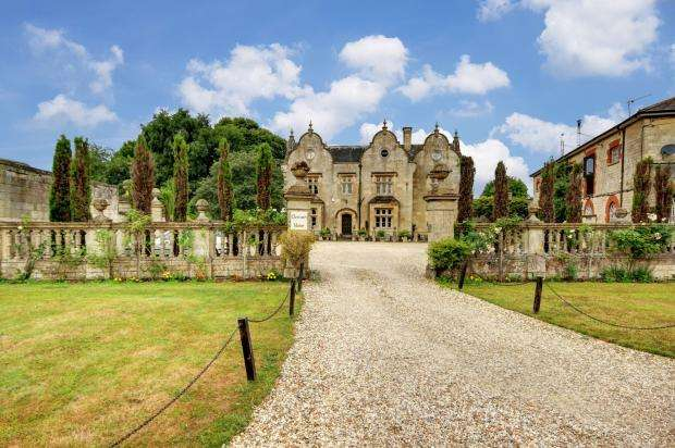 8 Bedrooms Detached House for sale in Cleycourt Manor Bourton Grange, Bourton, Swindon, SN6