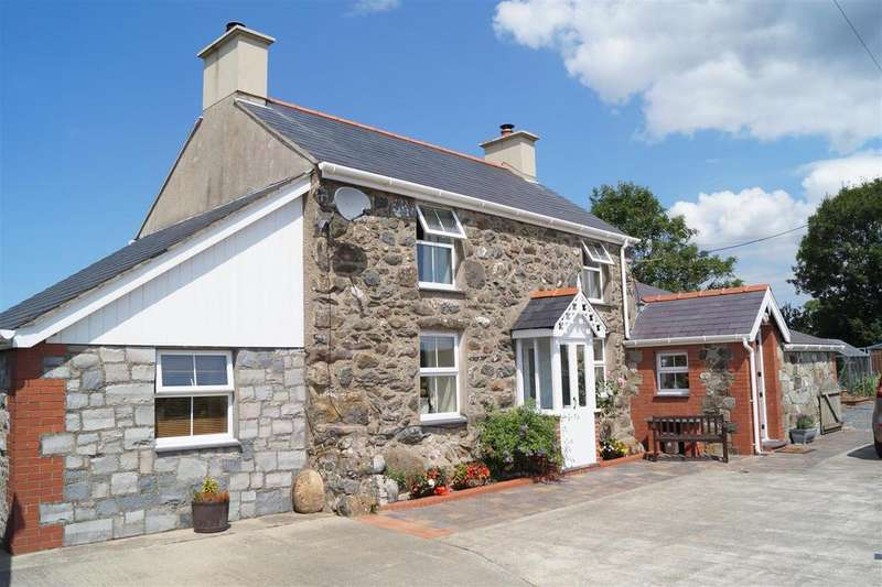 3 Bedrooms Detached House for sale in Y Ffor, Pwllheli