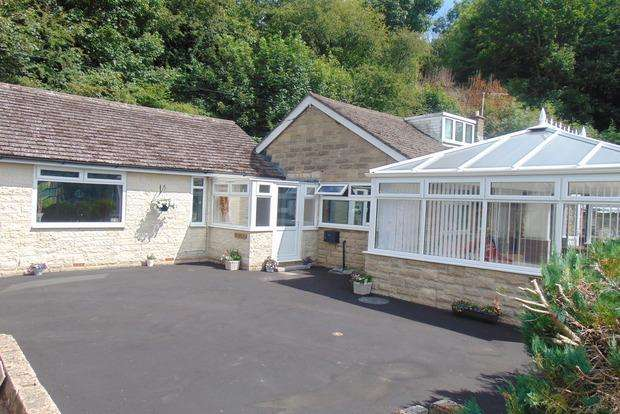 4 Bedrooms Detached Bungalow for sale in Riber Road, Starkholmes, Matlock, DE4