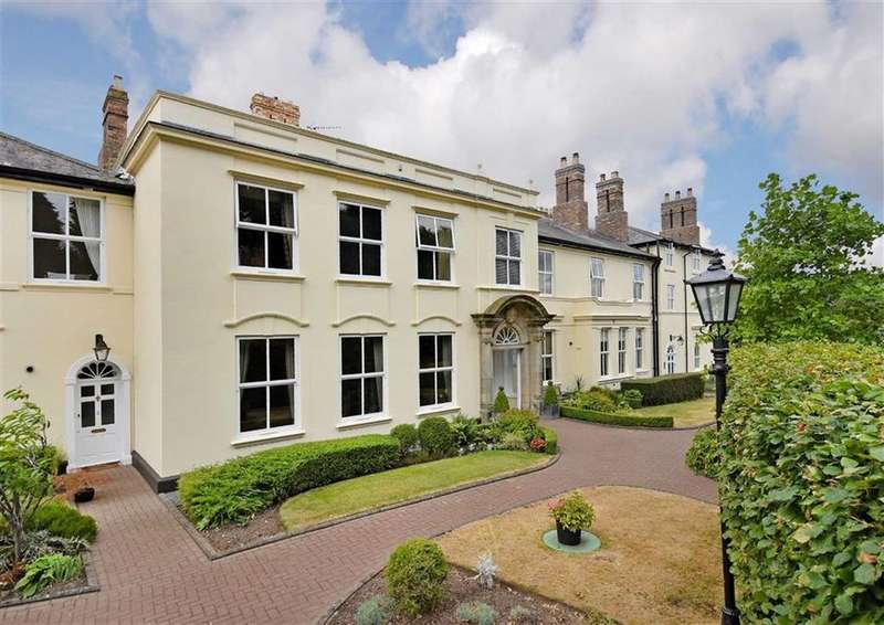 3 Bedrooms Apartment Flat for sale in 3, Ryton Hall, Ryton Park, Shifnal, Shropshire, TF11
