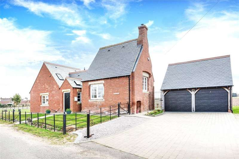 3 Bedrooms Detached House for sale in Roman Bank, Holbeach Bank, PE12
