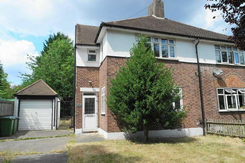 3 Bedrooms House for sale in Riefield Road, Eltham, SE9