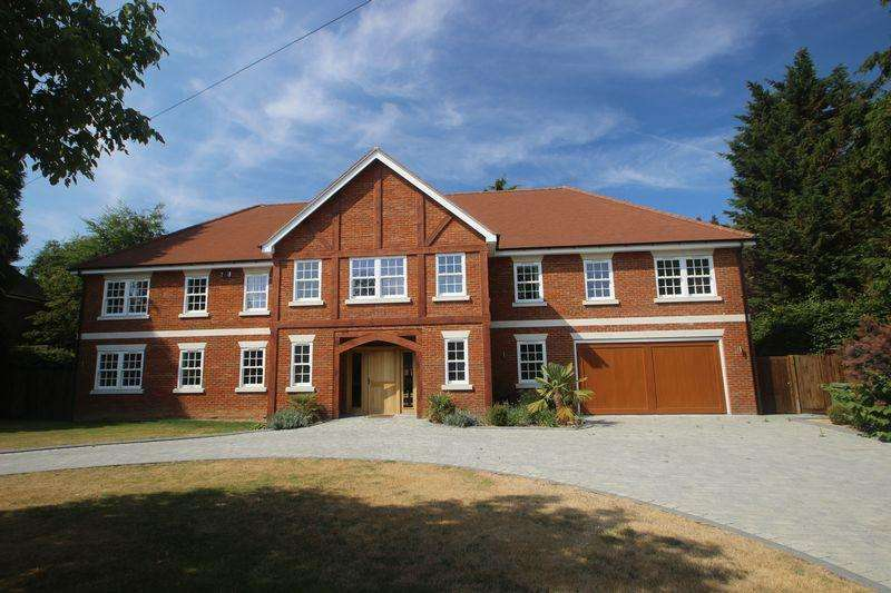 5 Bedrooms Detached House for sale in Grays Lane, Ashtead