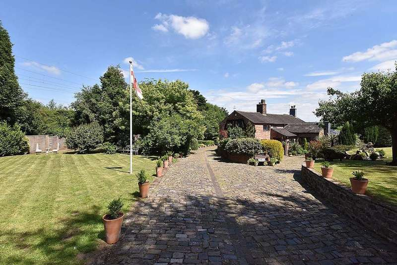 5 Bedrooms Detached House for sale in Alsager, Staffordshire