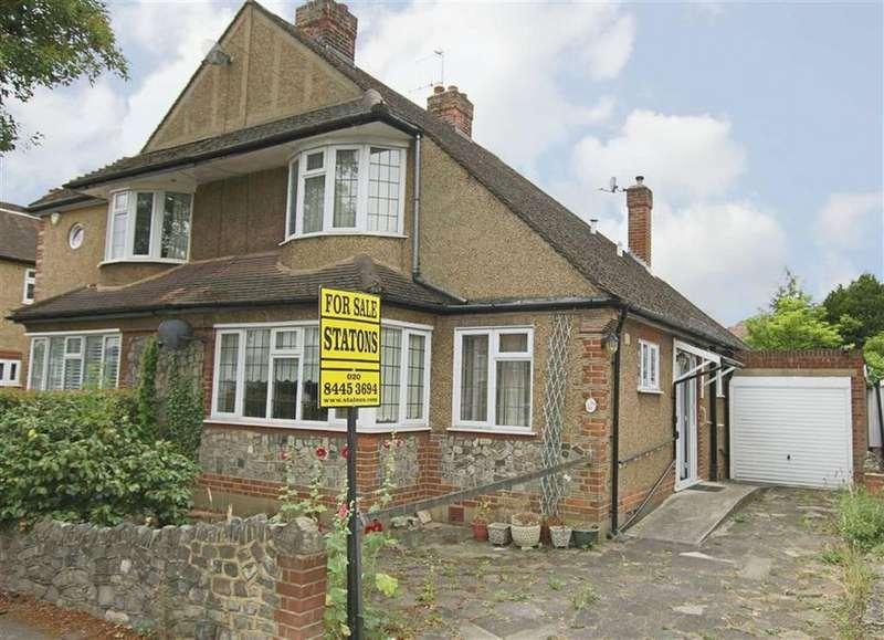 3 Bedrooms Semi Detached House for sale in Oak Tree Drive, Totteridge, London