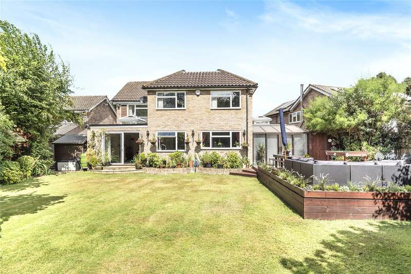 4 Bedrooms Detached House for sale in Gorselands Close, West Byfleet, Surrey, KT14