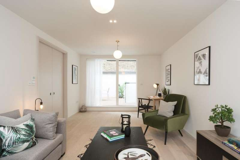 4 Bedrooms Apartment Flat for sale in 3 Clifford Terrace, N16