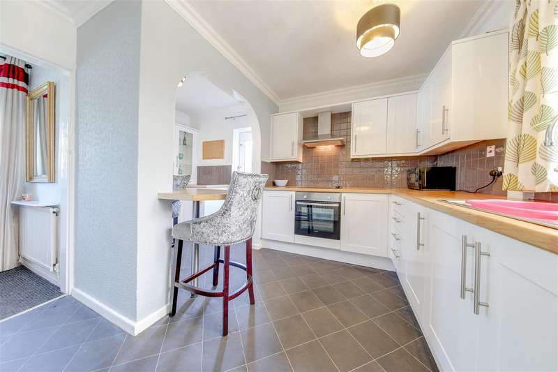 2 Bedrooms Semi Detached House for sale in Staghills Road, Newchurch, Rossendale
