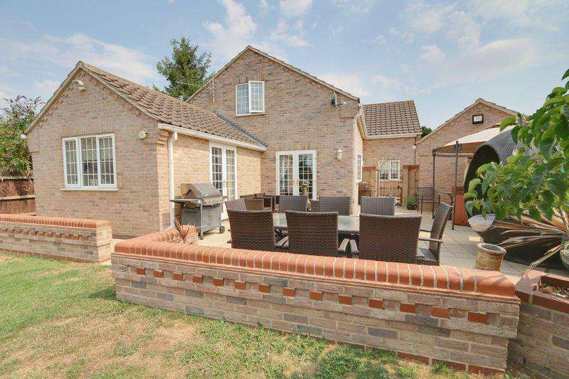 5 Bedrooms Detached House for sale in Fordham Road, Soham