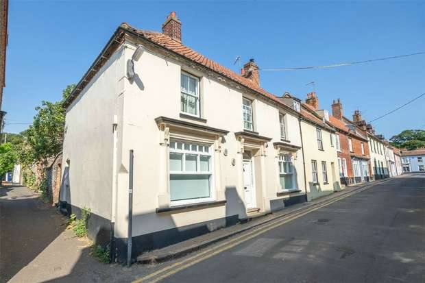 4 Bedrooms Semi Detached House for sale in 24/26 High Street, Wells-next-the-Sea