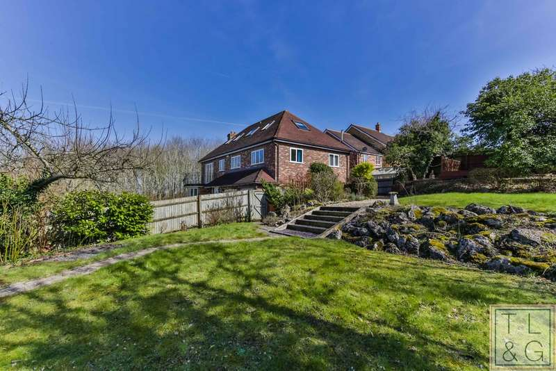 5 Bedrooms Detached House for sale in Longdon Court, Wickhamford