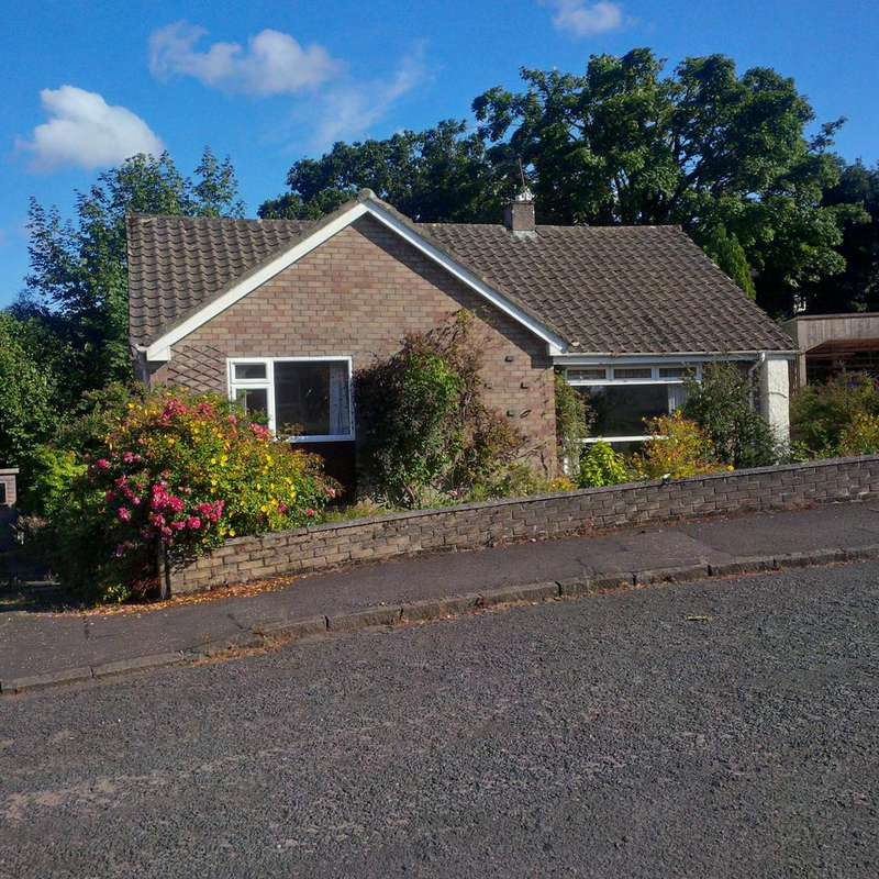 3 Bedrooms Detached Bungalow for sale in Glencairn Road, Langbank PA14