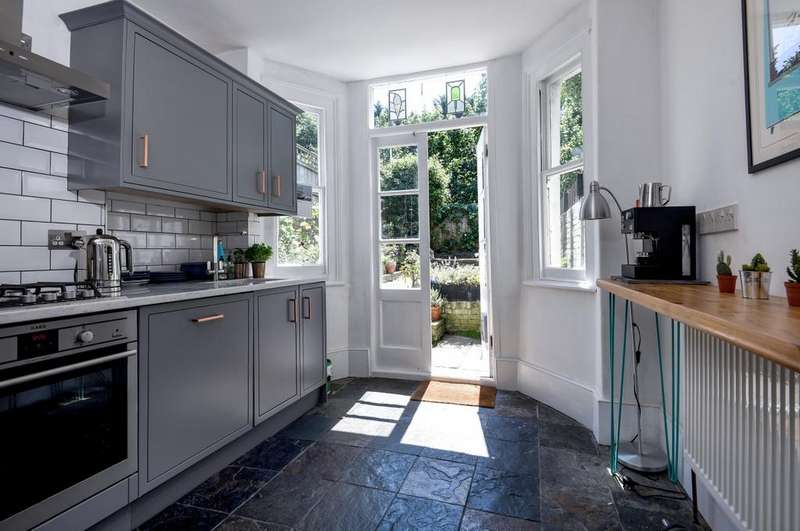 2 Bedrooms Flat for sale in Annandale Road Greenwich SE10