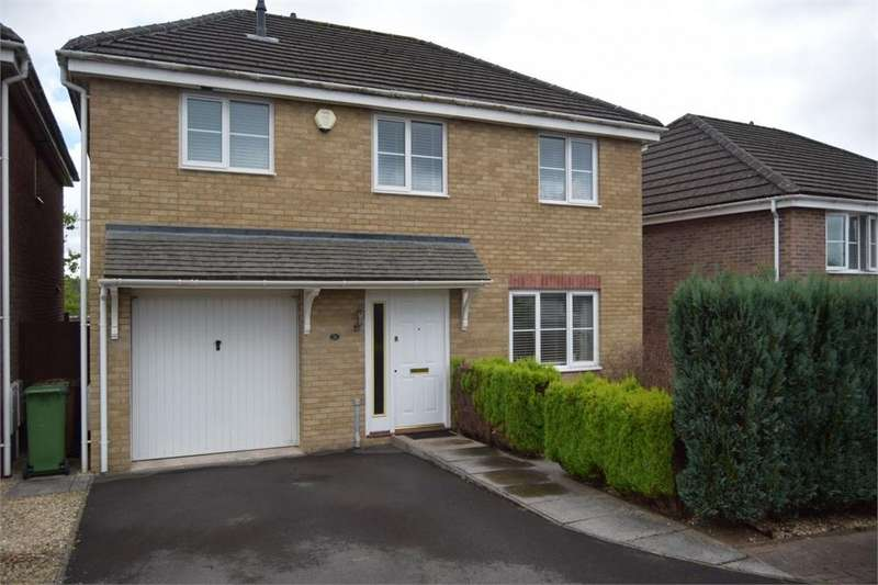 4 Bedrooms Detached House for sale in Llys Cyncoed, Oakdale, Blackwood