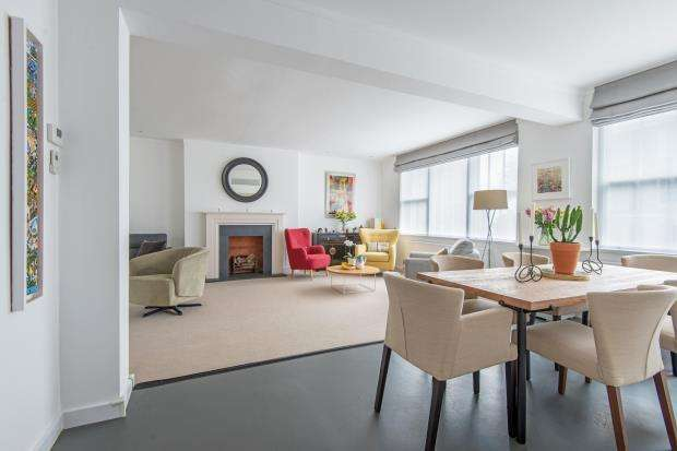 4 Bedrooms Terraced House for sale in Southwood Lane, Highgate Village, London, N6