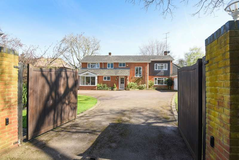 4 Bedrooms Detached House for sale in Skippetts Lane East