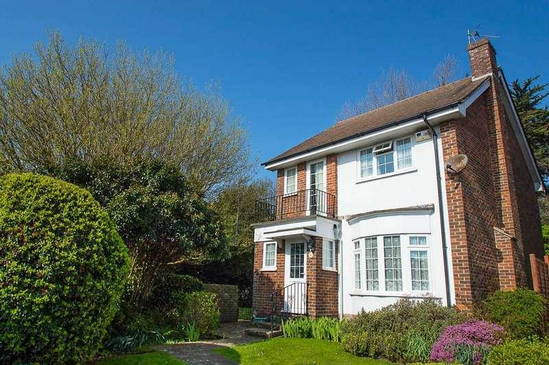 3 Bedrooms Detached House for sale in Shortlands Close, Eastbourne
