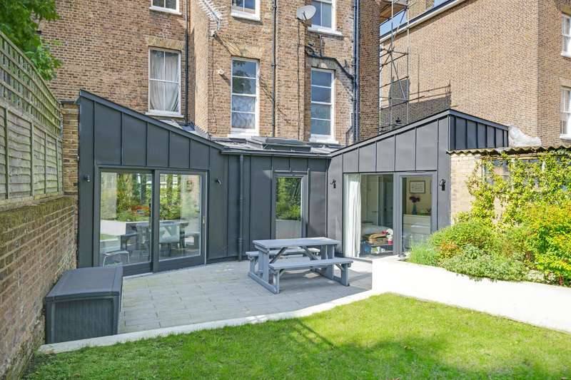 3 Bedrooms Flat for sale in South Hill Park, Hampstead