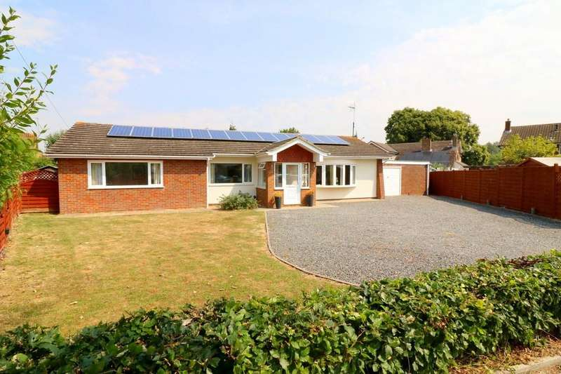 3 Bedrooms Detached Bungalow for sale in Bramcote Close, Aylesbury
