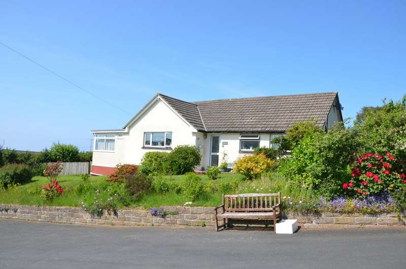 3 Bedrooms Detached Bungalow for sale in Fairfield, Ilfracome , Devon , Ilfracombe EX34