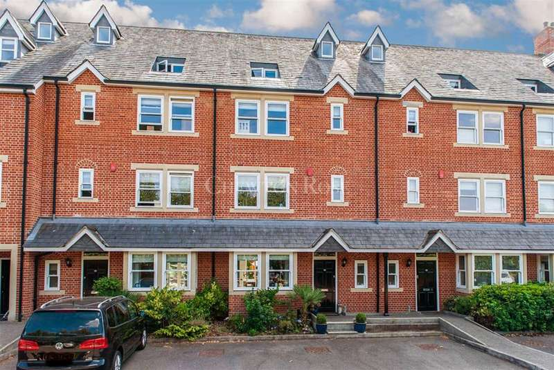 4 Bedrooms Town House for sale in The Cloisters, Windsor.
