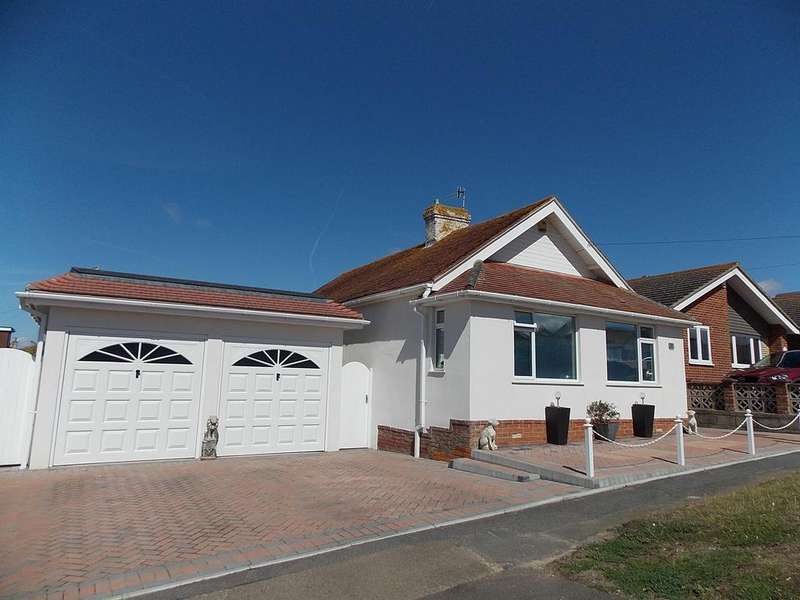 3 Bedrooms Detached Bungalow for sale in Victoria Avenue, Peacehaven, East Sussex BN10