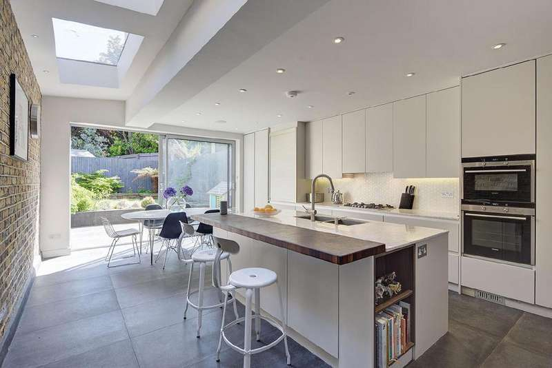 4 Bedrooms Terraced House for sale in Sumatra Road, West Hampstead