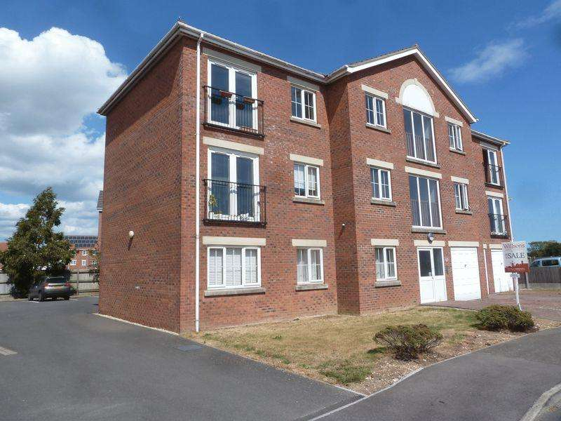 2 Bedrooms Flat for sale in Winston Drive, Skegness