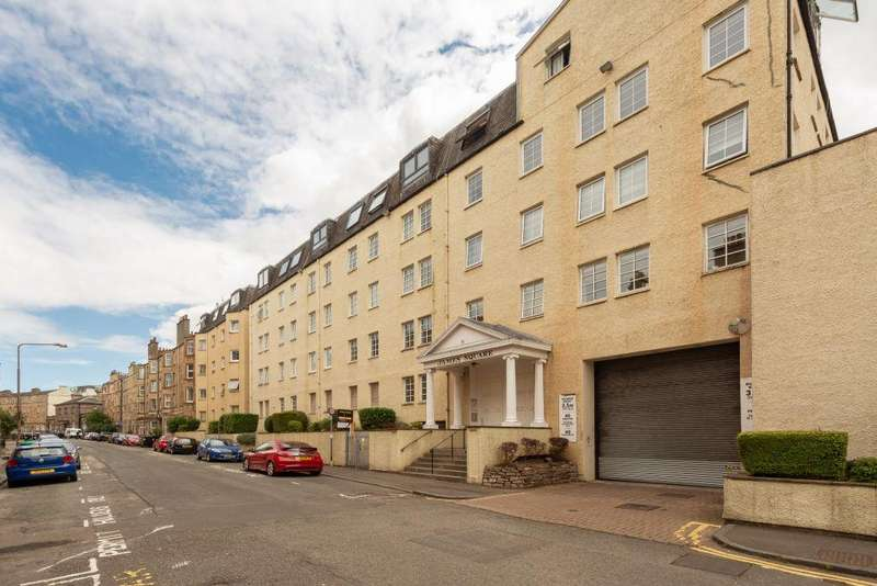 3 Bedrooms Flat for sale in 55/12 Caledonian Crescent, Edinburgh, EH11 2AT