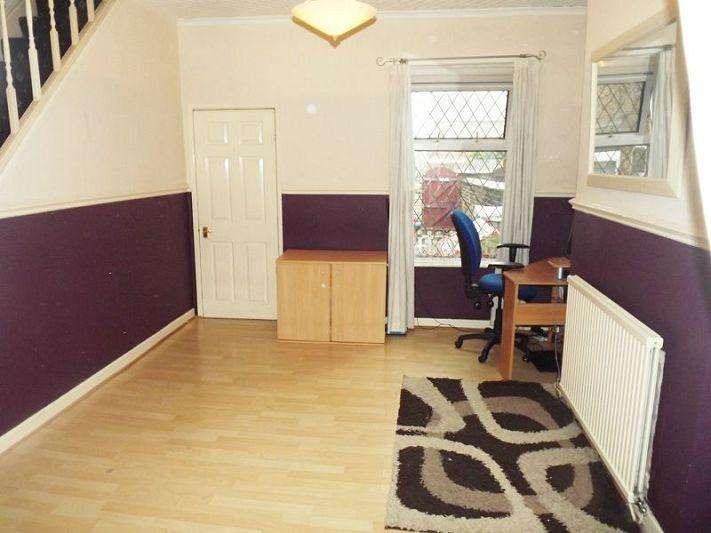 3 Bedrooms Terraced House for sale in Folly Lane, Warrington