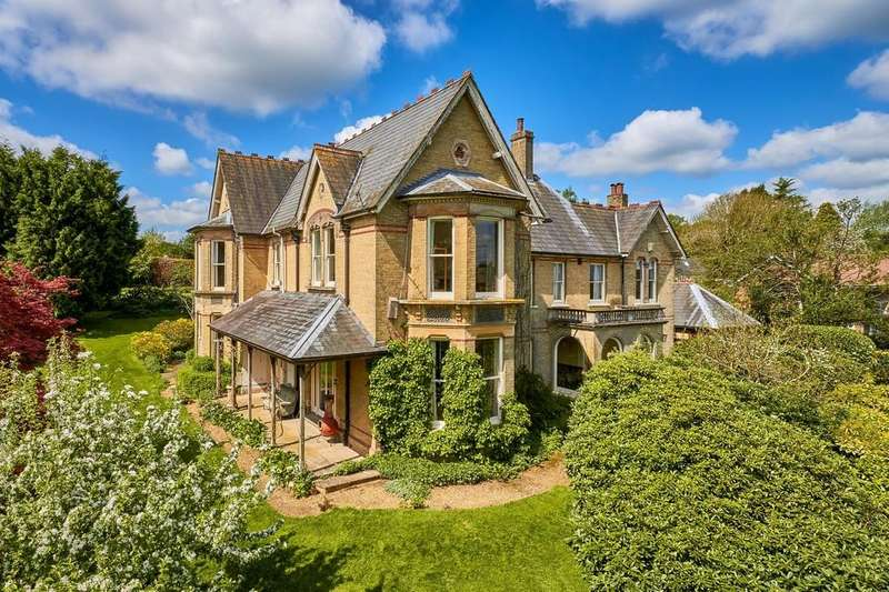 7 Bedrooms Detached House for sale in Petersfield, Hampshire