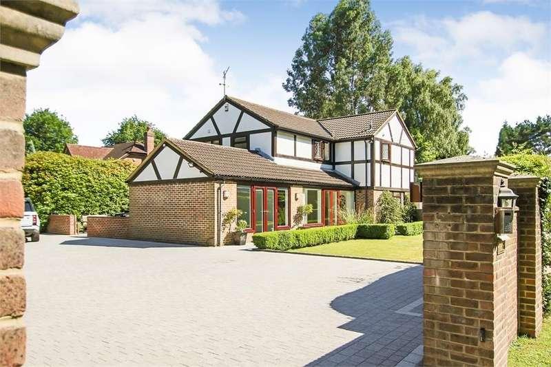 4 Bedrooms Detached House for sale in Copthorne Road, Felbridge, Surrey