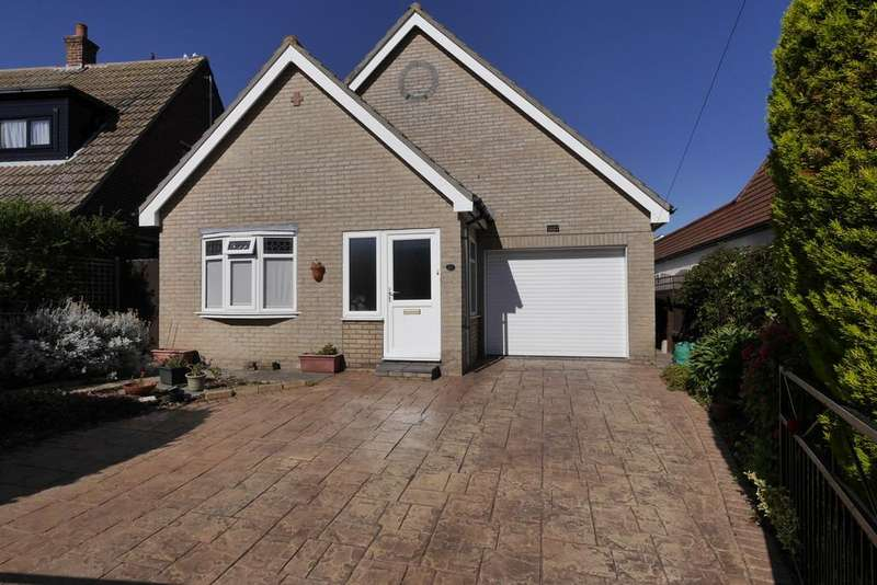 3 Bedrooms Detached Bungalow for sale in Fronks Avenue, Dovercourt, Harwich