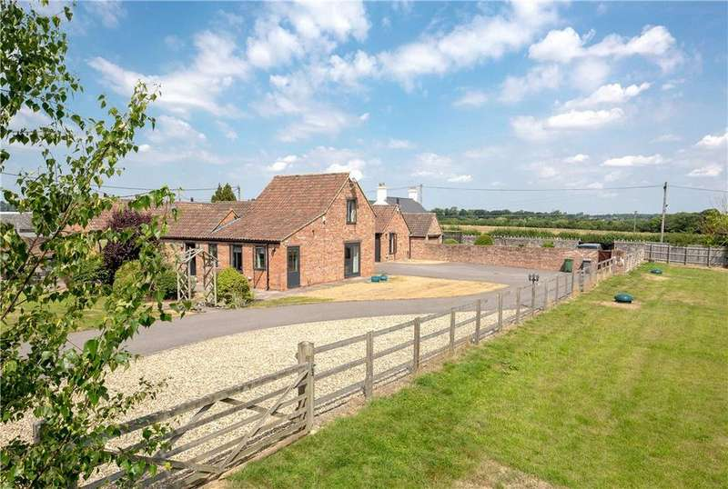 5 Bedrooms Detached House for sale in Clivey, Dilton Marsh, Westbury, Wiltshire, BA13