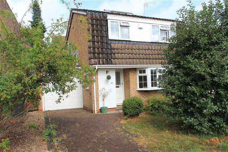 3 Bedrooms Detached House for sale in Waldale Drive, Stoneygate, Leicester