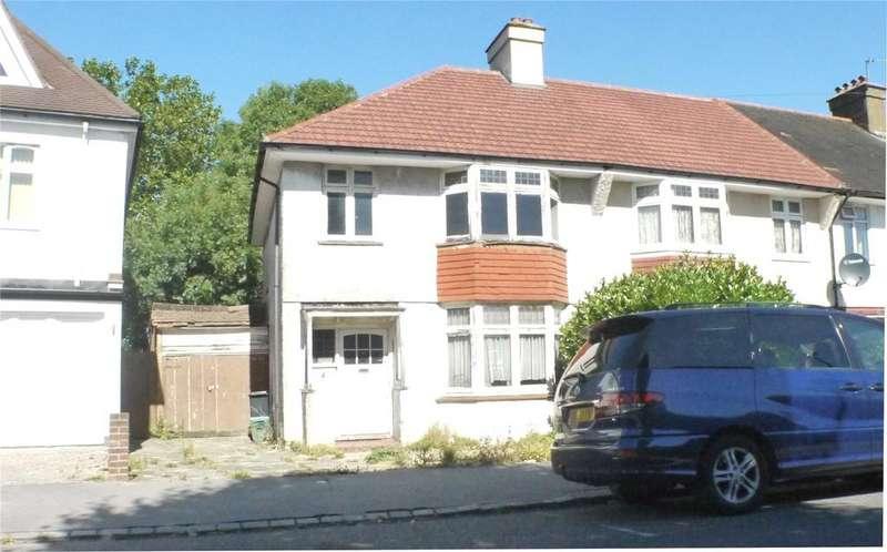 3 Bedrooms Semi Detached House for sale in Abingdon Road, Norbury, SW16