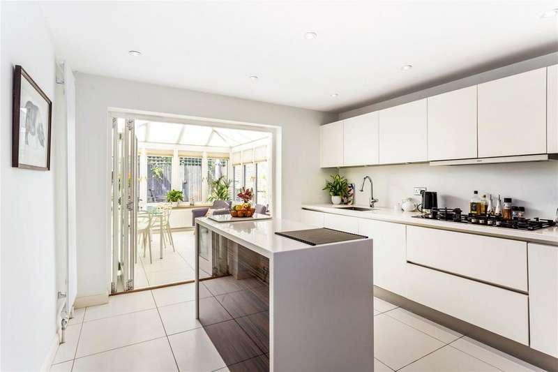 4 Bedrooms End Of Terrace House for sale in Thaxted Place, Wimbledon, London, SW20
